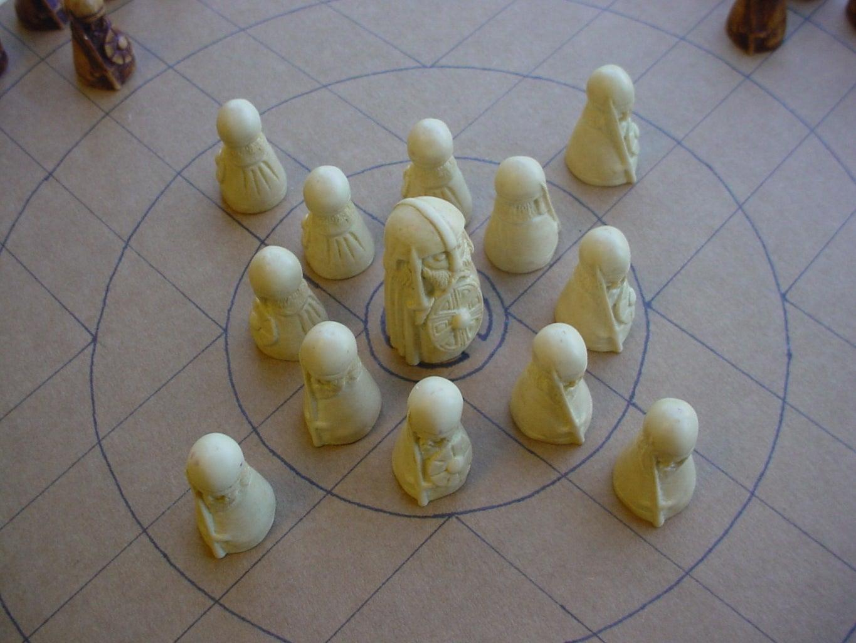 Round Hnefatafl Board