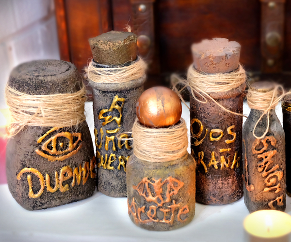 Halloween, Decorate Your Old Jars to Look Like a Witch