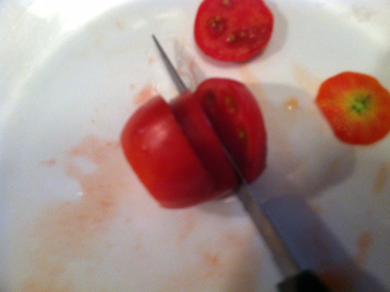 Cut the Tomato Into 4 Connected Pieces