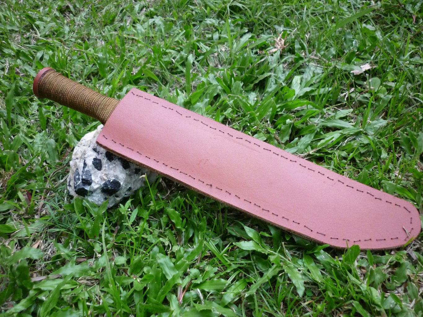 How to Make a Knife Sheath From Leather