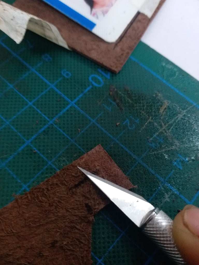 Minimize the Width of Edges. for Easy Sewing.