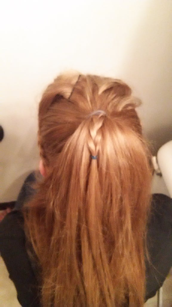 Put Hair in a Pony Tail