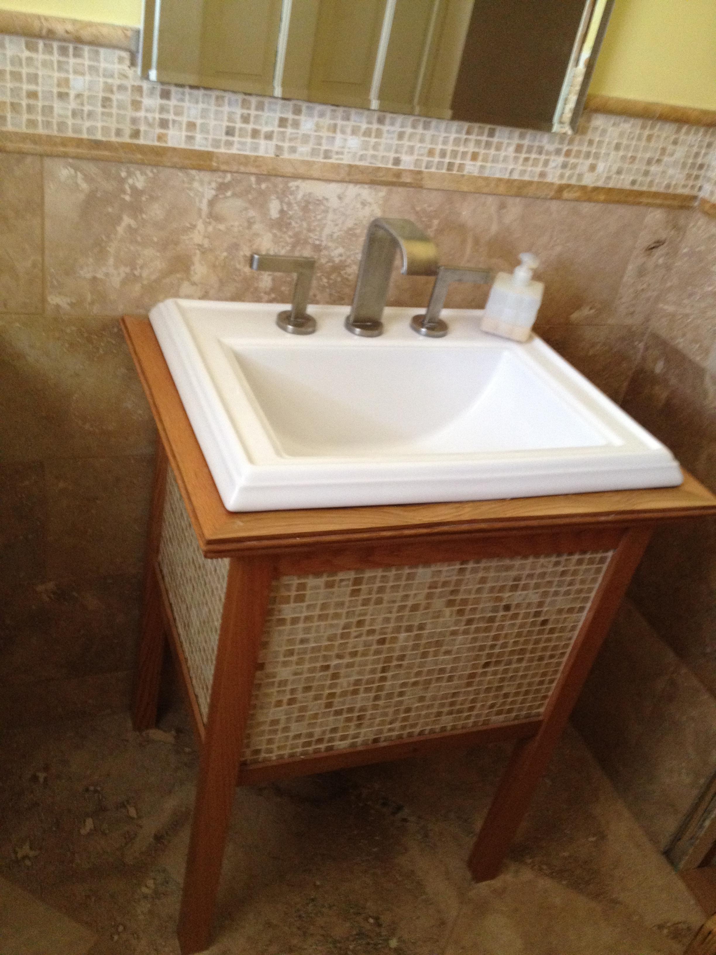 Cheap, yet high-end, Oak vanity to match mosaic tile lestillo