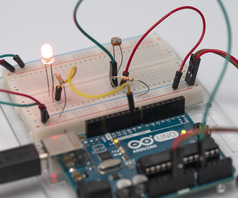 Light Sensor (Photoresistor) Arduino Tinkercad