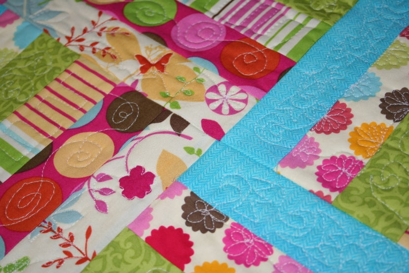 """""""Quilt-As-You-Go Quilt"""" Free QAYG Quilt Pattern designed by Abby Holverson from Instructables Craft"""