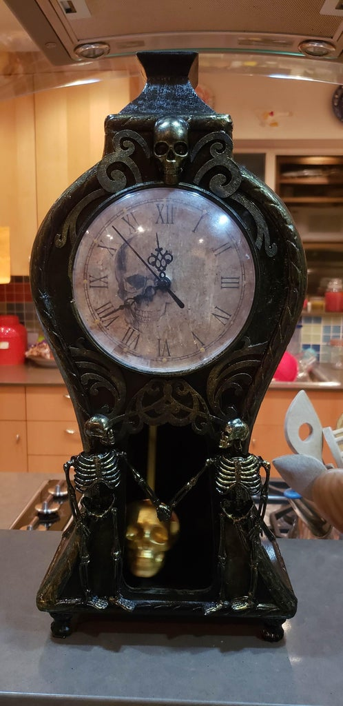 Memento Mori Clock