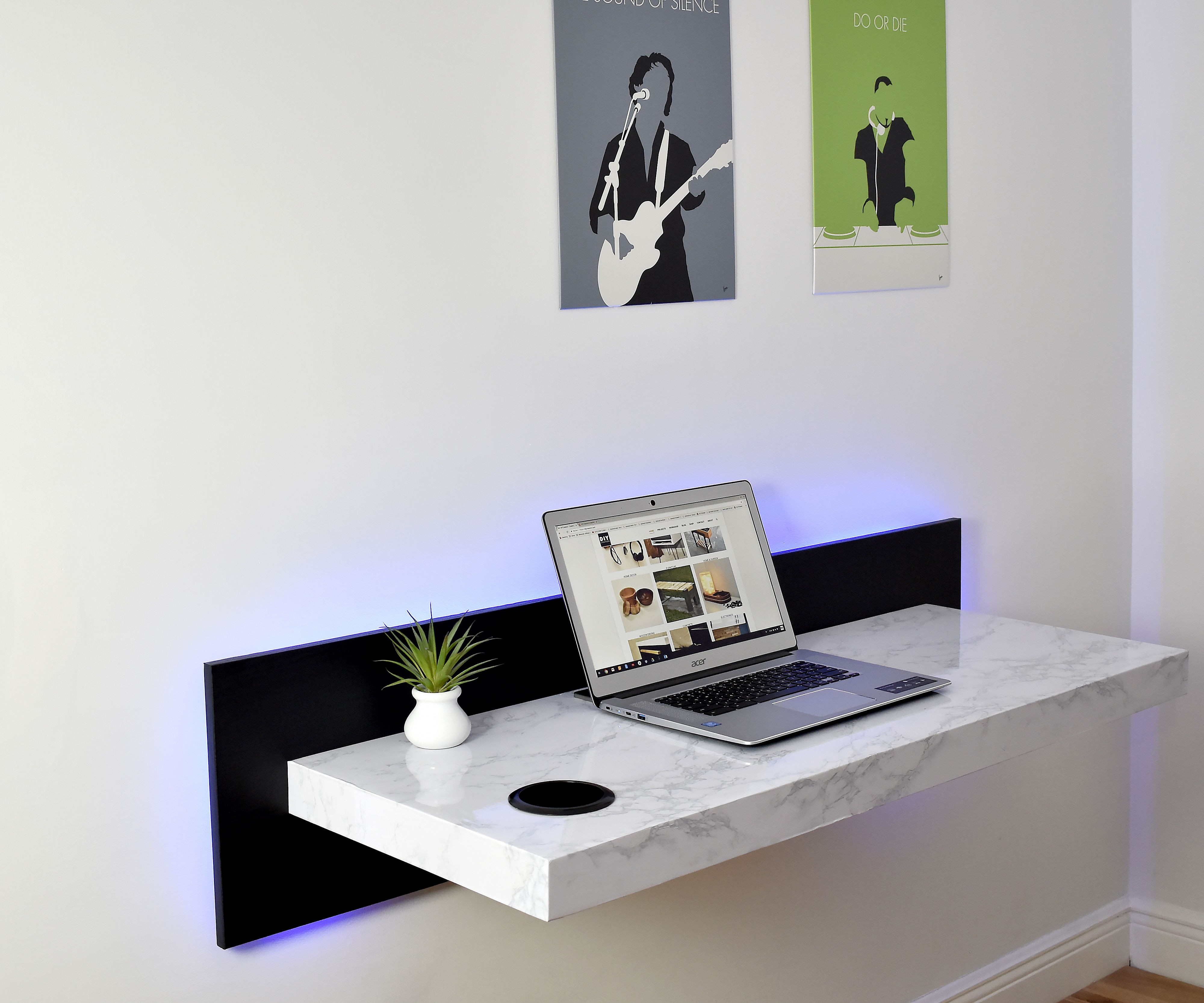 Wall Mounted Dream Desk