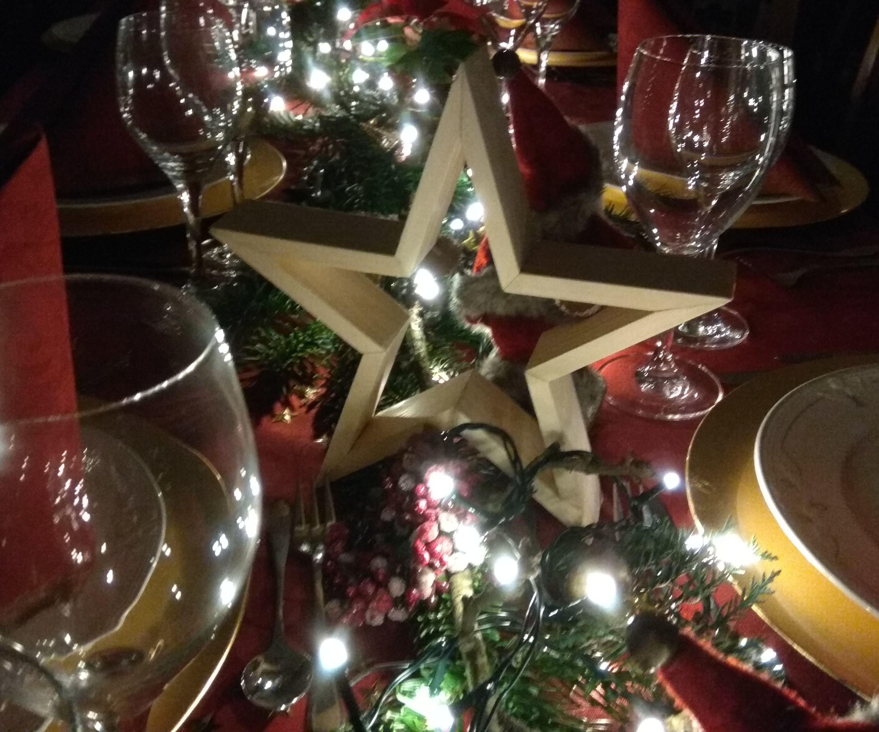 Chritsmas Dinner Table Decorative Stars