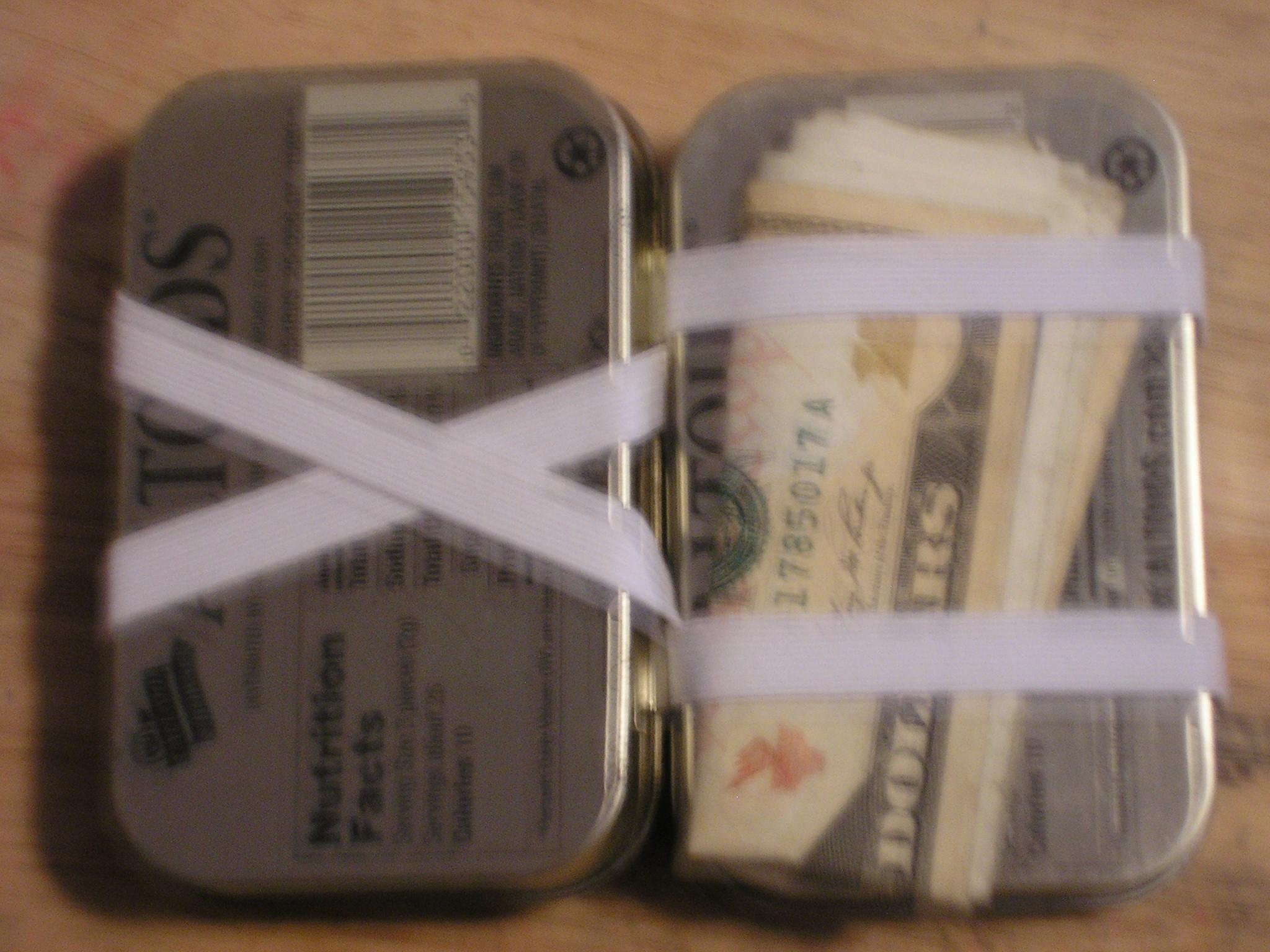 Altoids Tin Magic Wallet