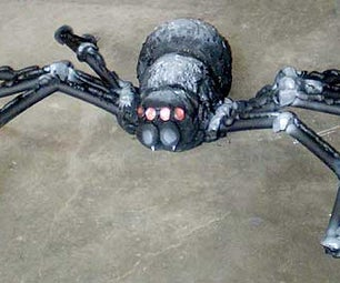 Giant Realistic Spider