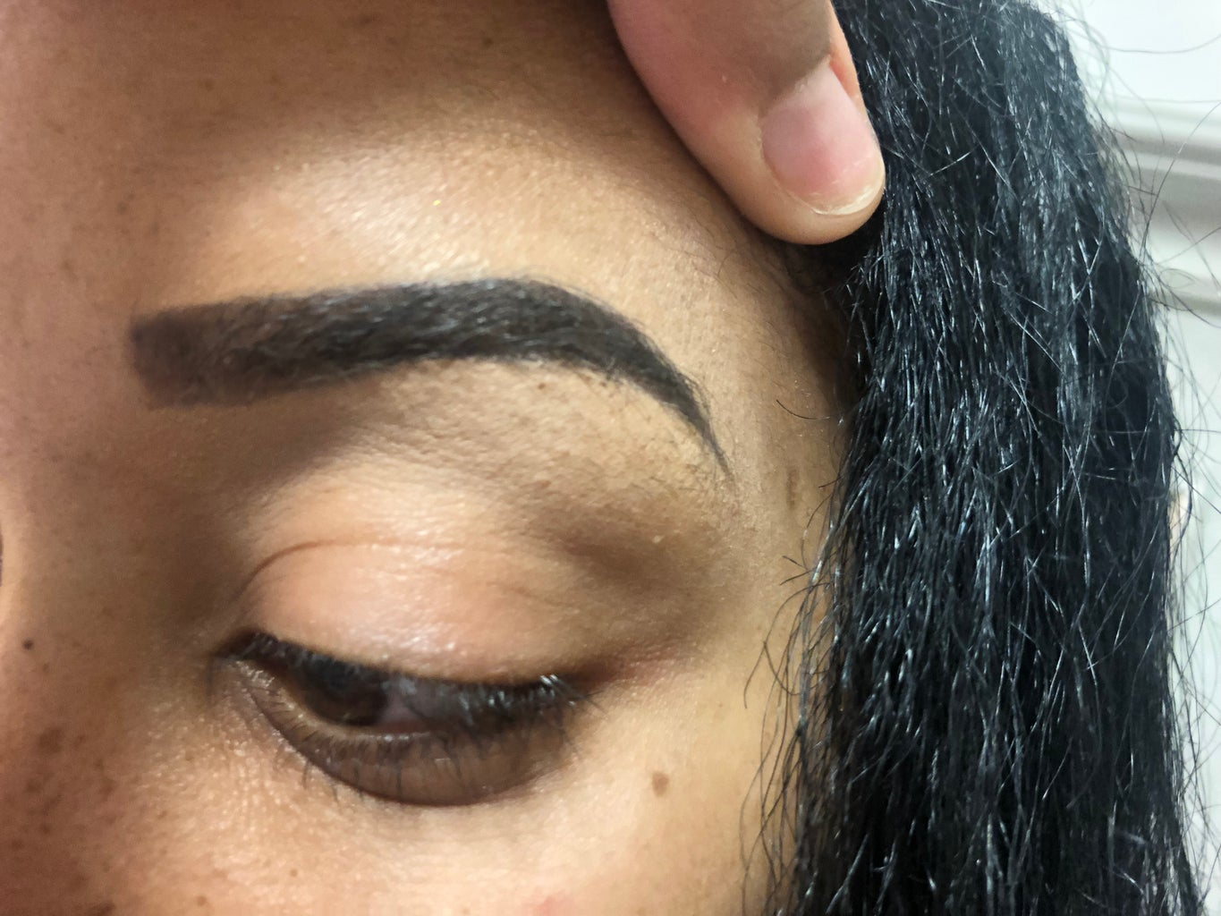 How to Get the Perfect Glam Eyebrows