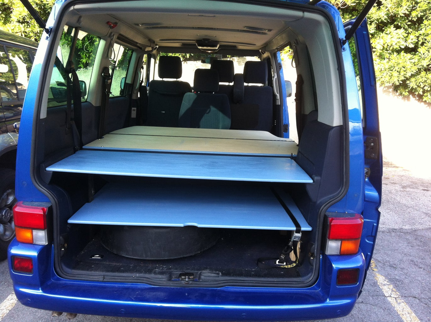 Easy Camper Van Conversion (VW T4 Caravelle 2500 TDI )