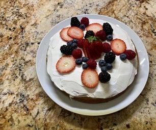 香草柠檬布丁蛋糕配新鲜浆果