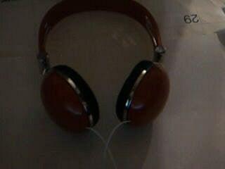 """How to """"Fix"""" a Pair of Broken Headphones"""