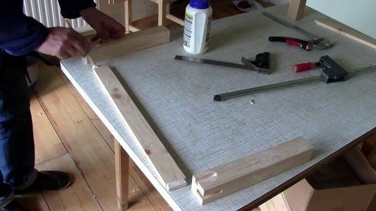 Assembling the Table Stand 1