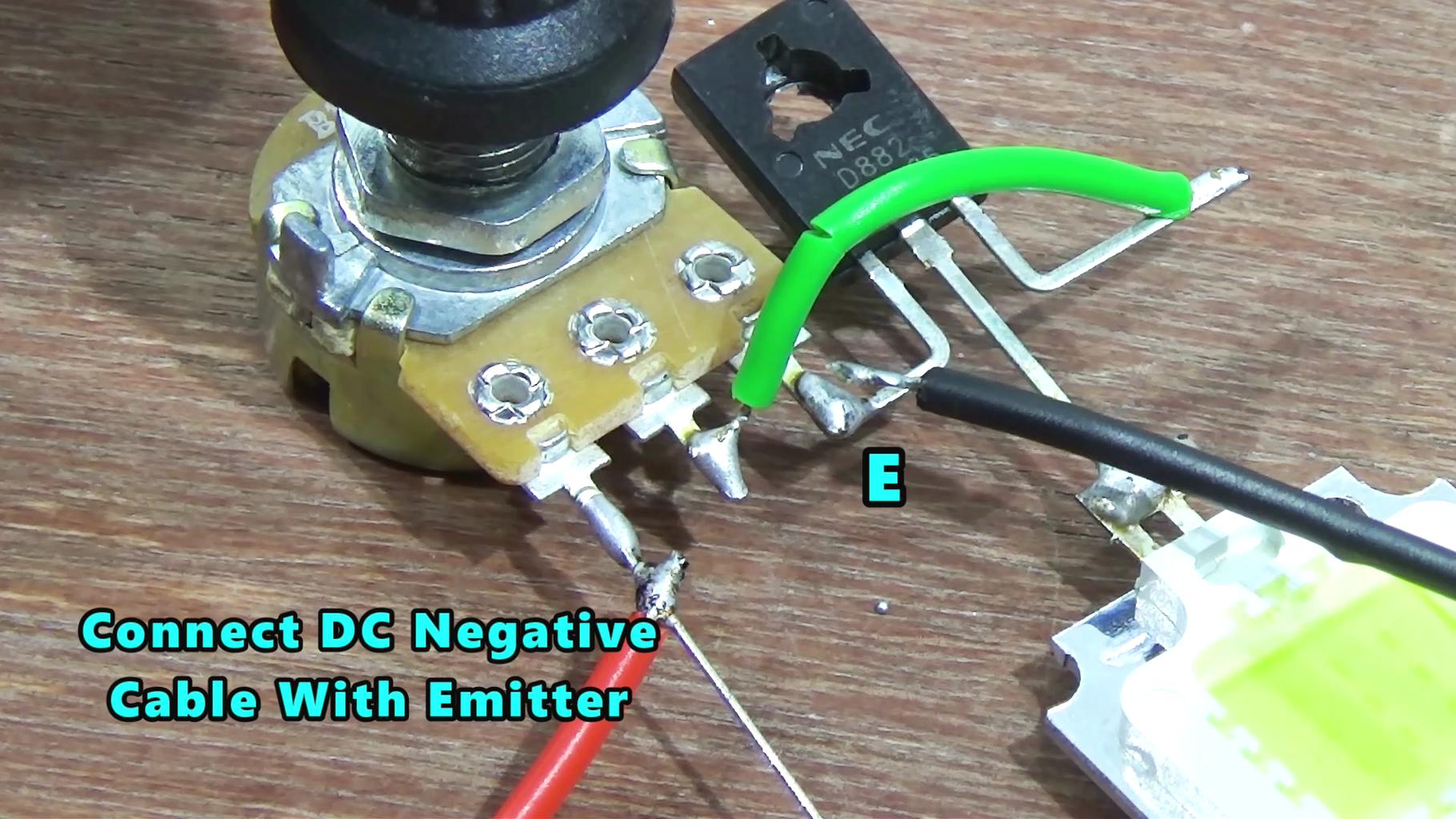 Voltage Regulating Circuit Using D-882 Transistor