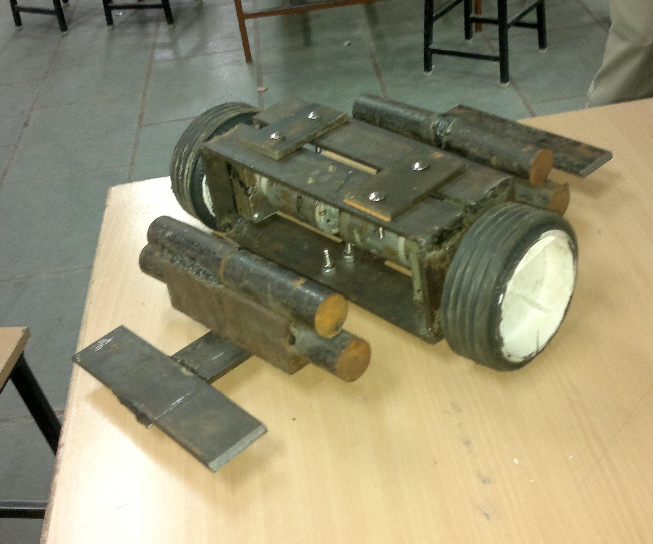 ROBOWAR ROBOT