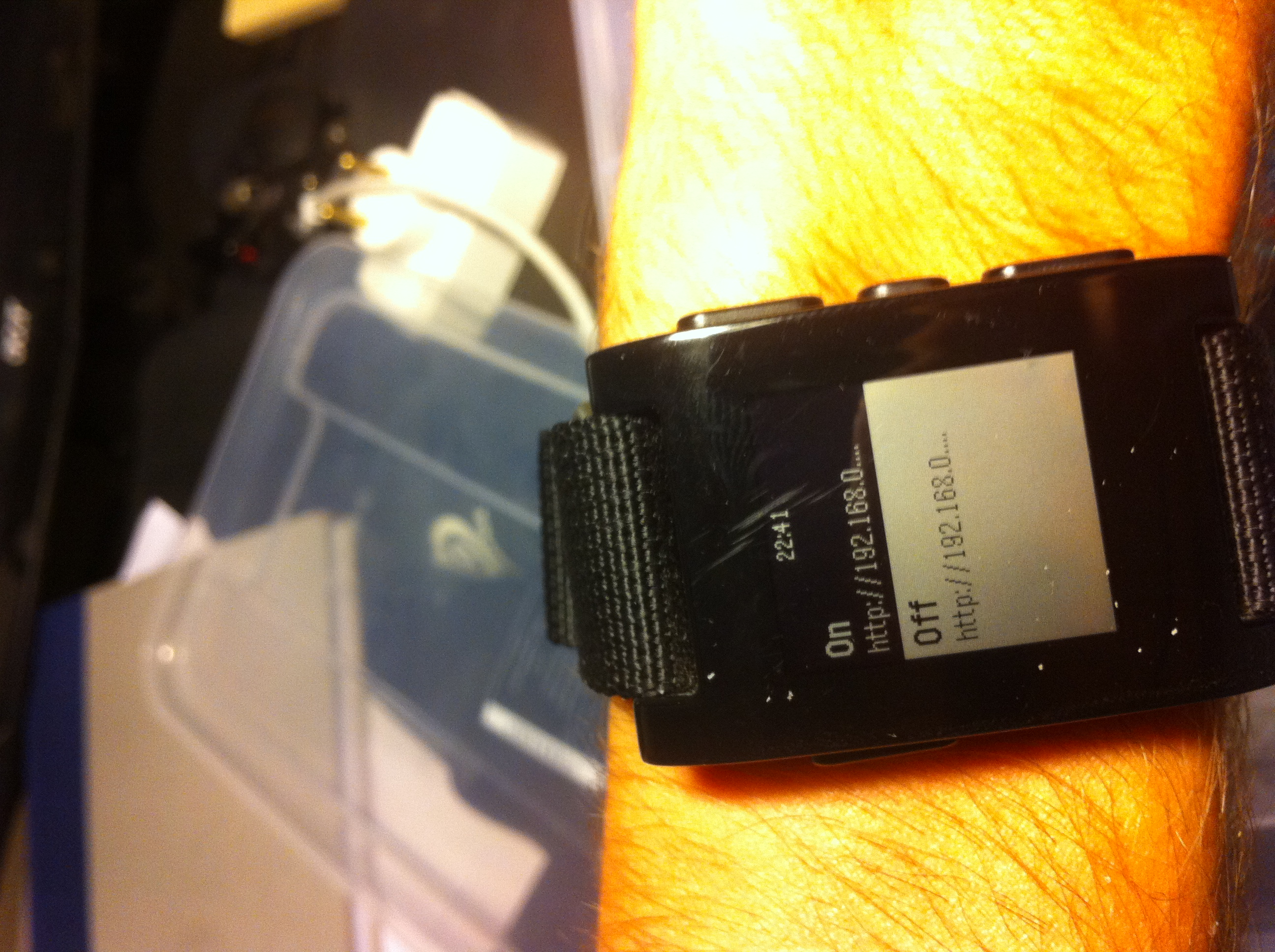 Control lights with the Pebble smartwatch and the Arduino
