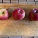 Applesauce; No Sugar, No Cooking