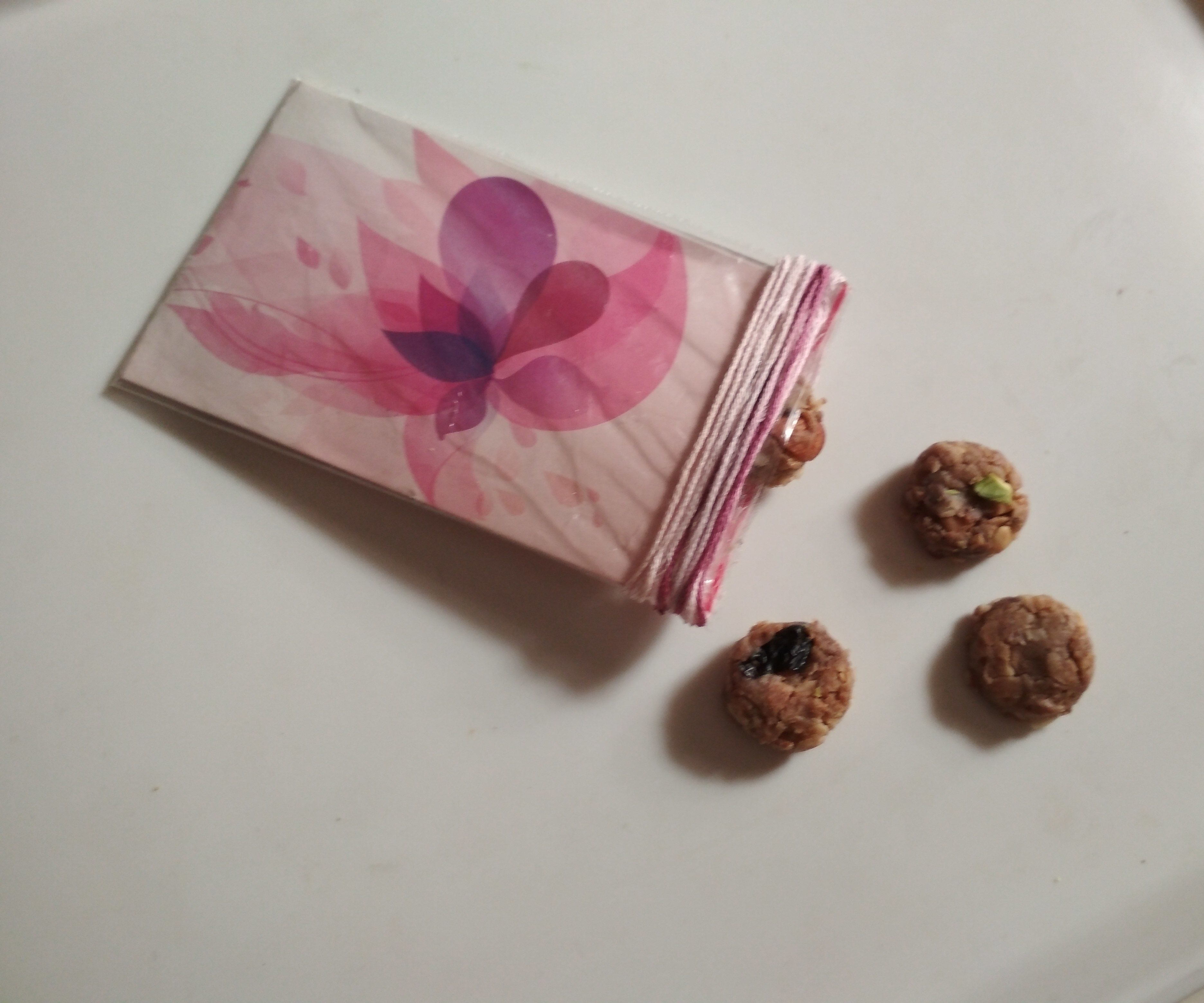 Deliciously Healthy Protein Tablets in a Fancy, Easy-to-carry Packet