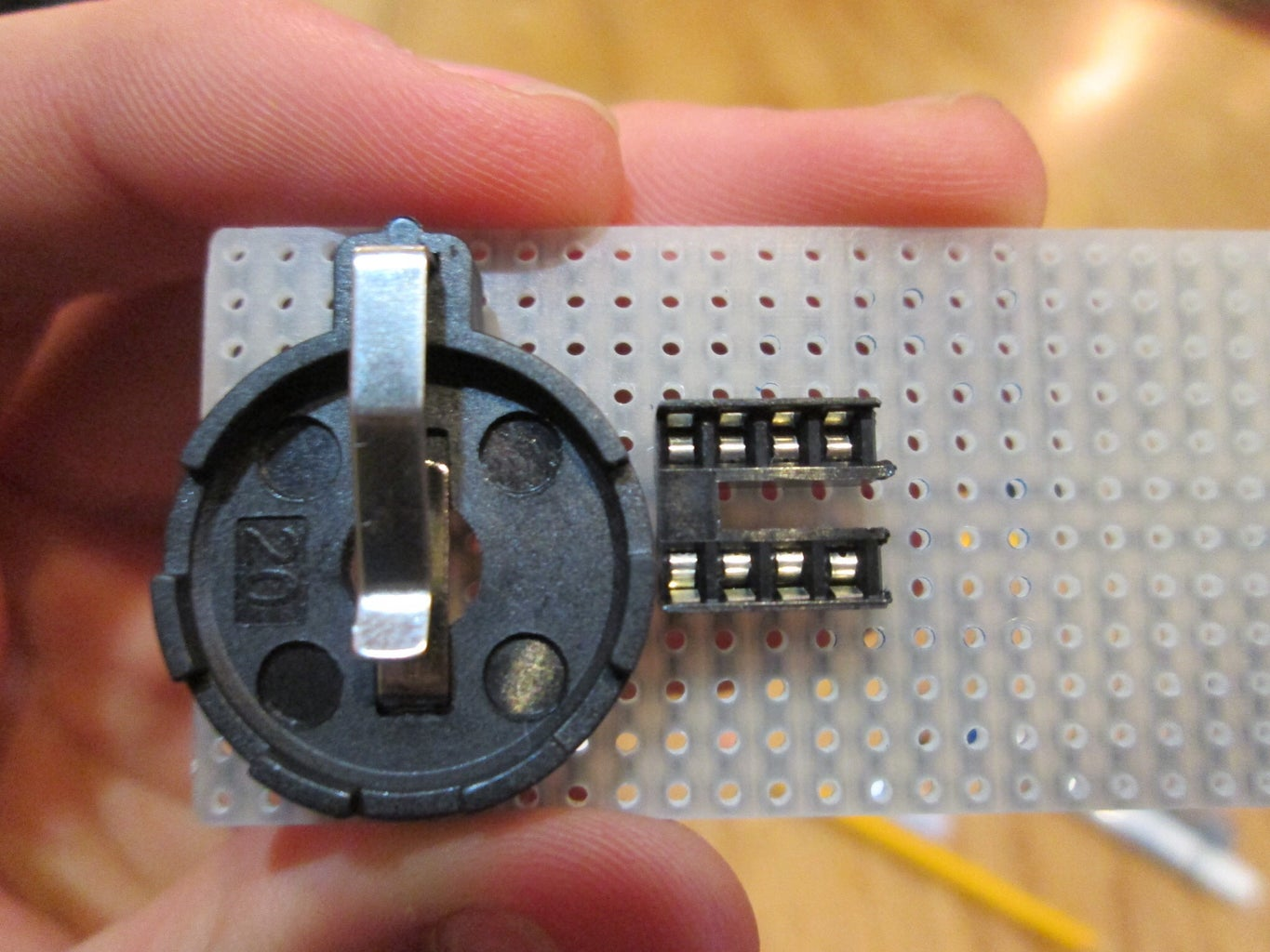 Add Socket and Battery Holder to Stripboard
