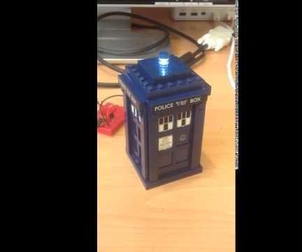 Lego TARDIS With Flashing LED
