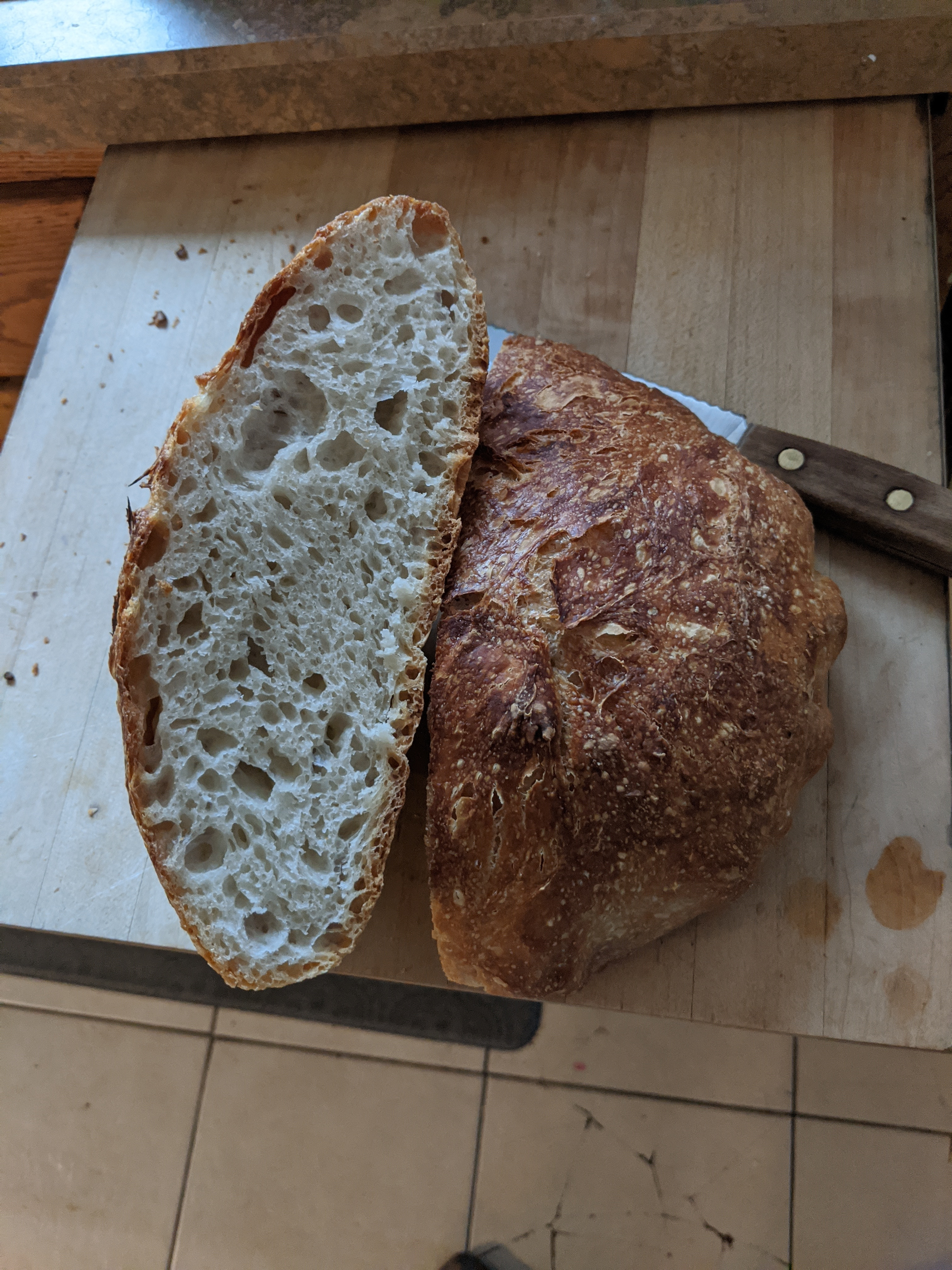 Super Easy No-knead Sourdough Bread
