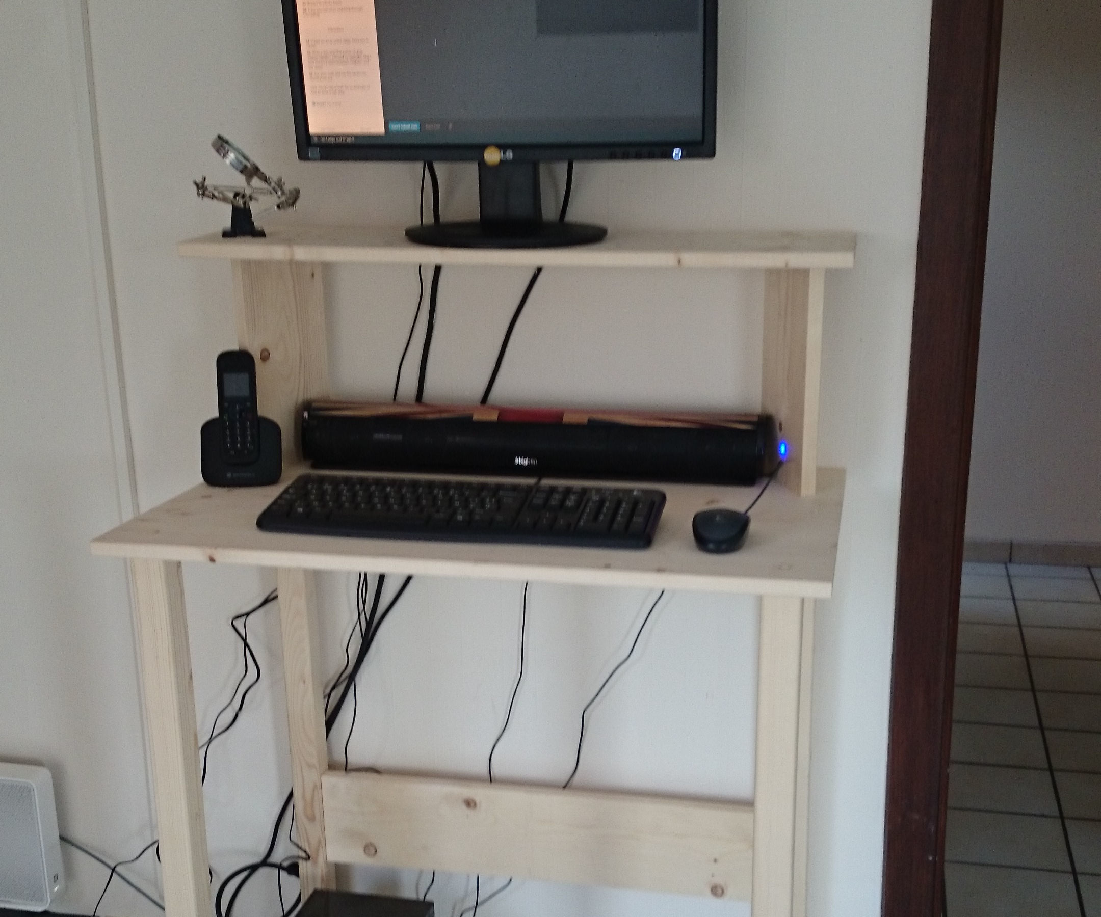 2h Stand Up Desk