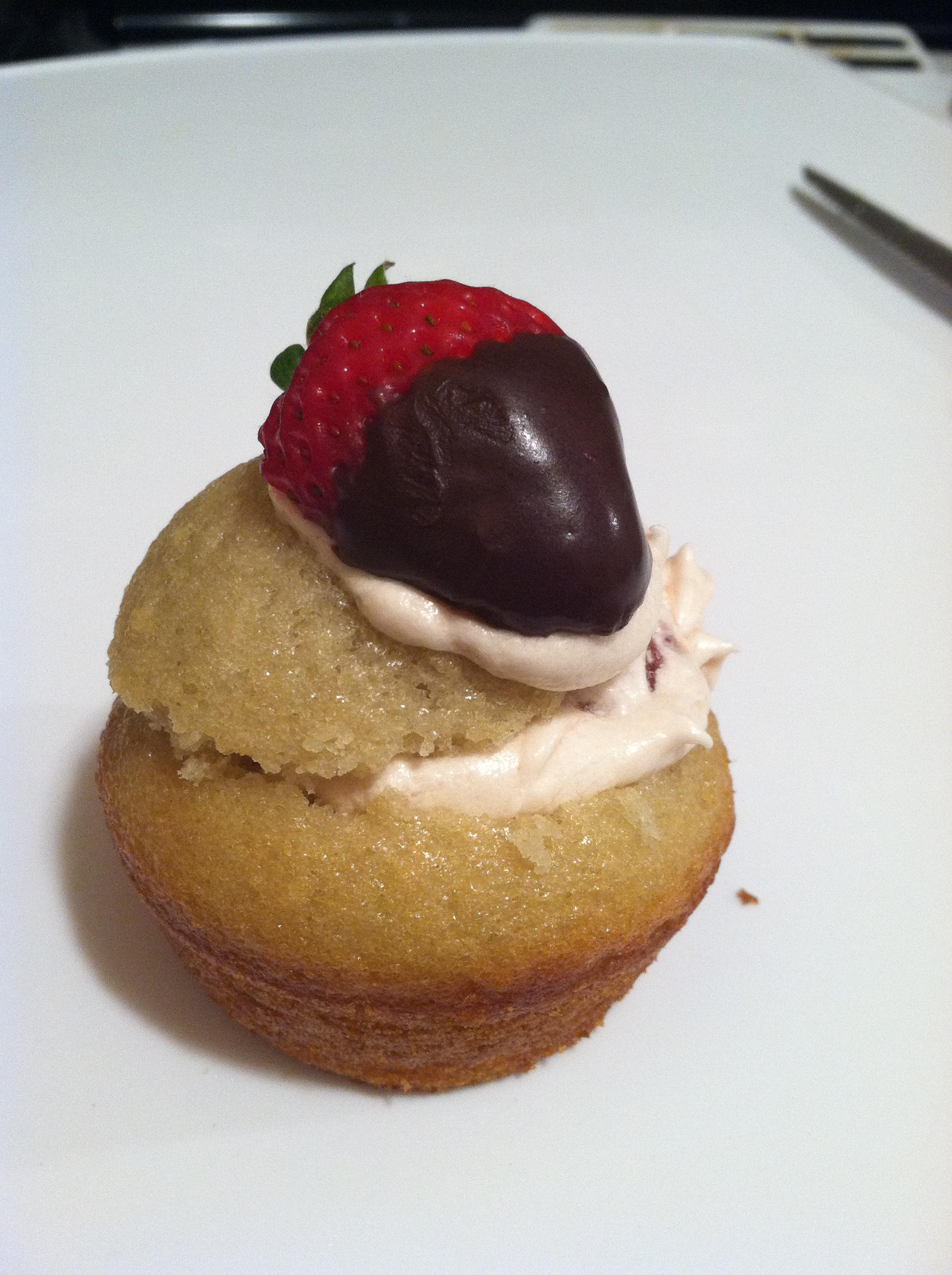 Vegan Pink Champagne Cupcakes