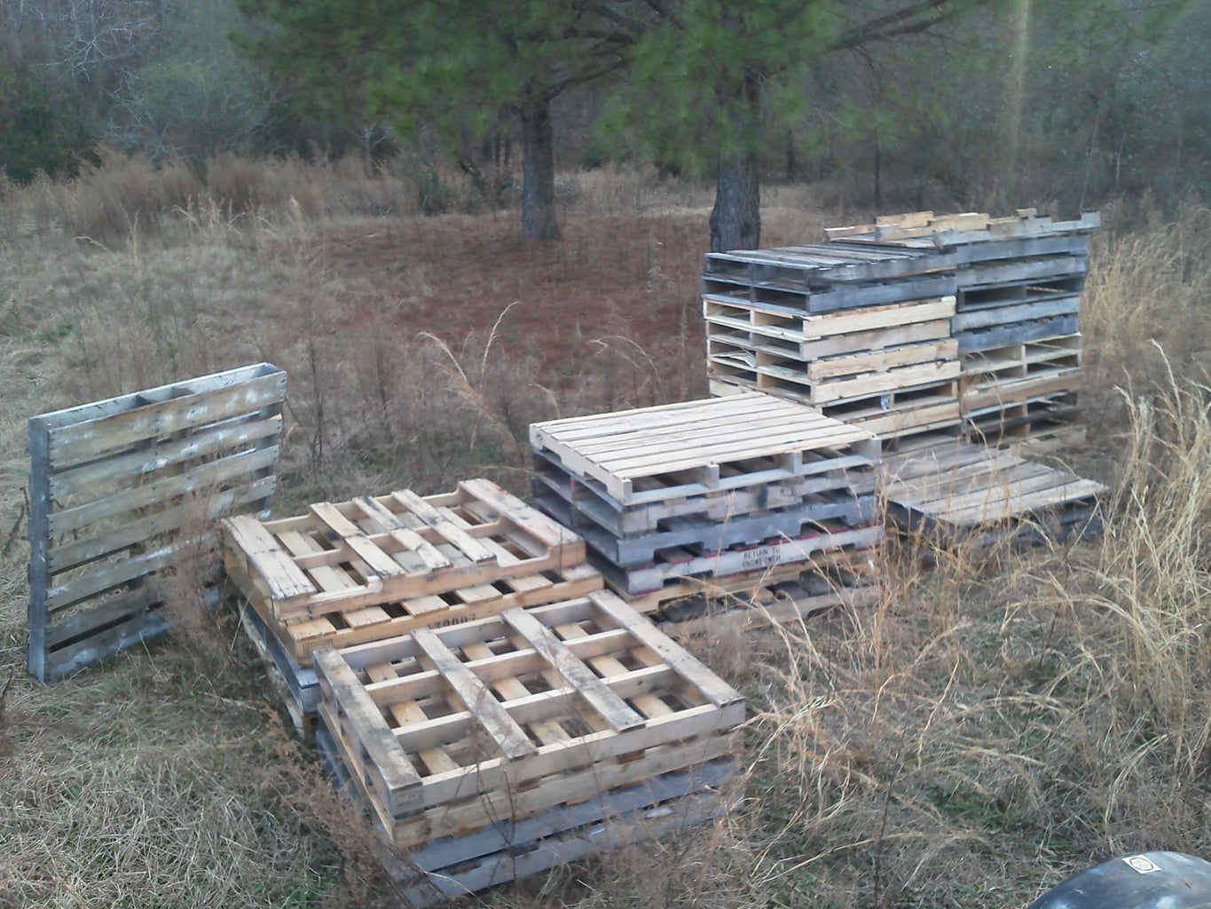 Gather Supplies/Disassemble the Pallet