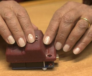 MOLBED - Modular Low Cost Braille Electronic Display