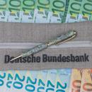 1,000 € Pen and Pencil Case