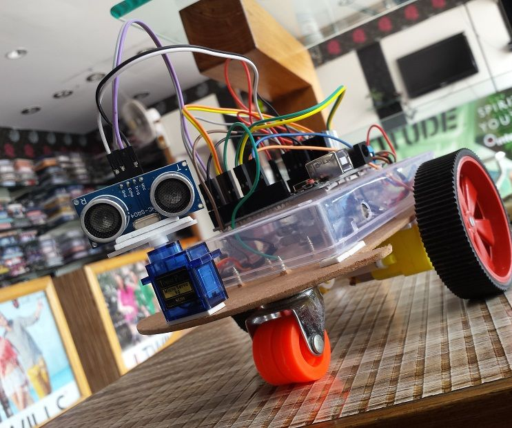 Voice Control Obstacle Avoidance Arduino Robot Car