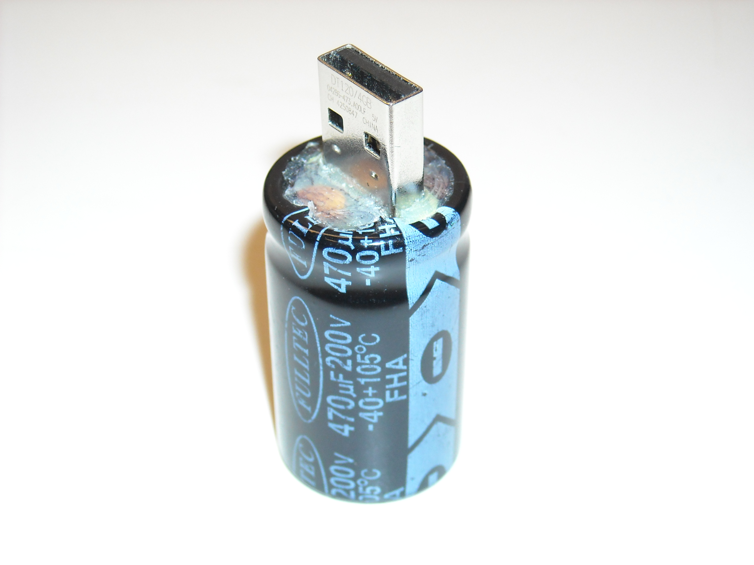 USB Flash Capacitor