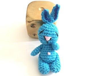 微小的复活节兔子
