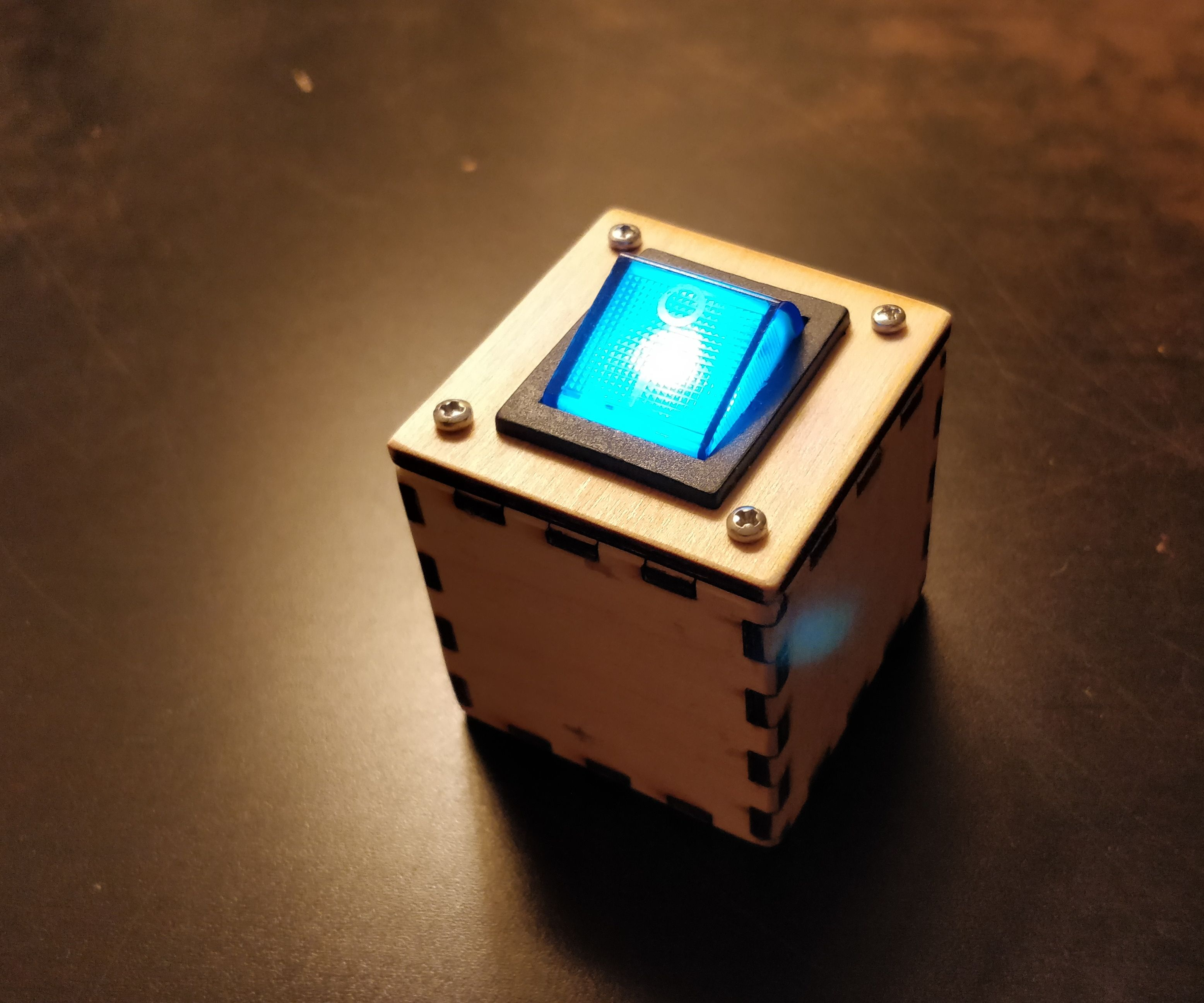 Busy Cube #1 - Light Switch