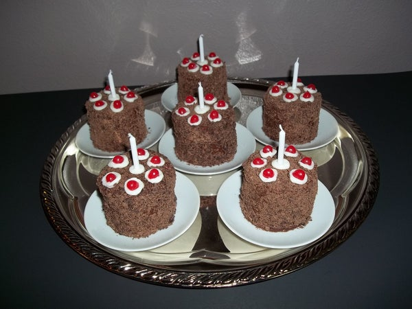 The Cupcake Is Not a Lie: Portal Cupcakes
