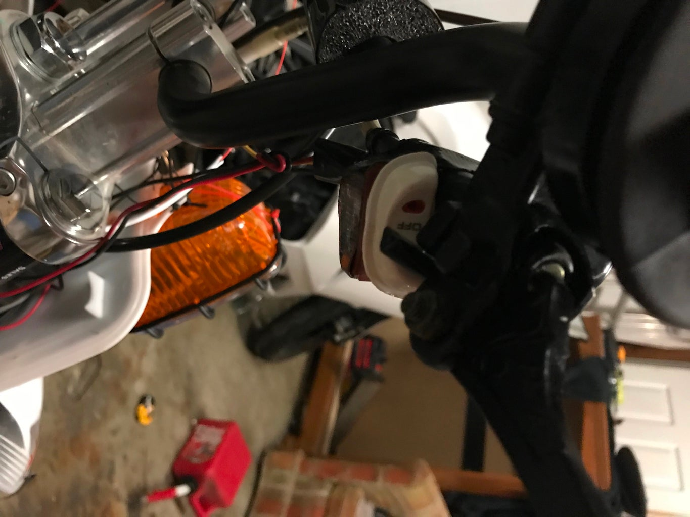 Setting Up the Front Brake Lever Button