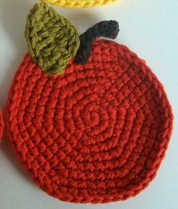 Crocheting the Apple