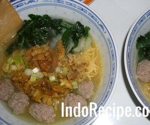 Chicken Noodle Meatballs Soup (Mie Ayam Bakso)