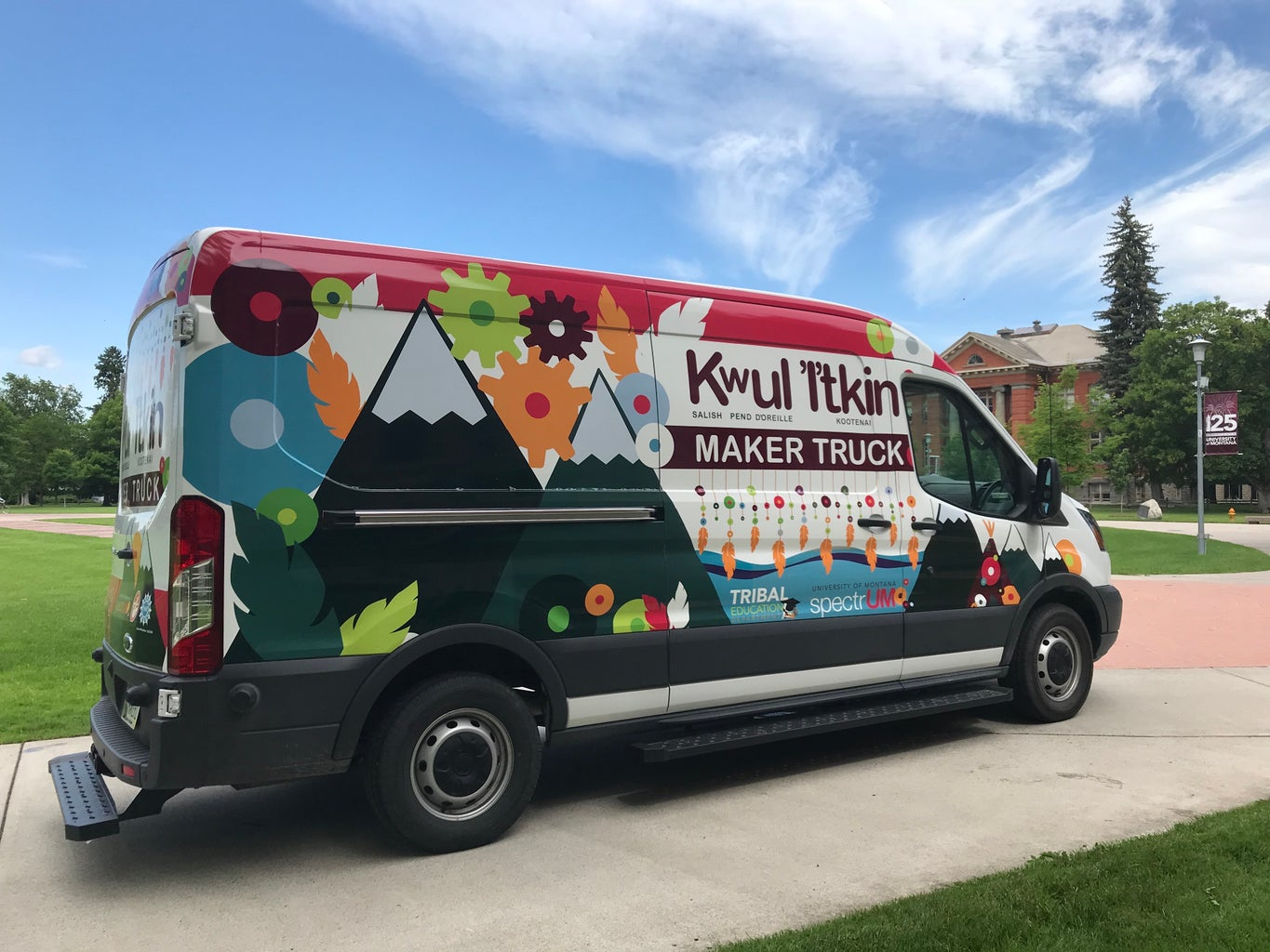 Beading With the Kwul 'I'tkin Maker Truck