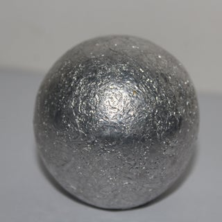 How to Make a Polished Aluminum Foil Ball