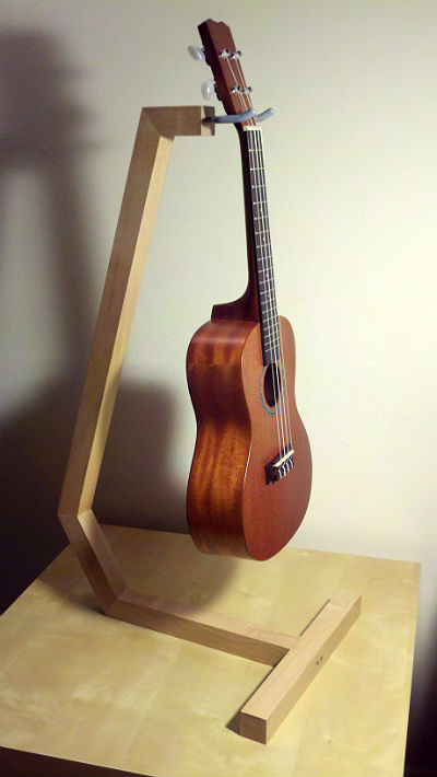 ukulele stand