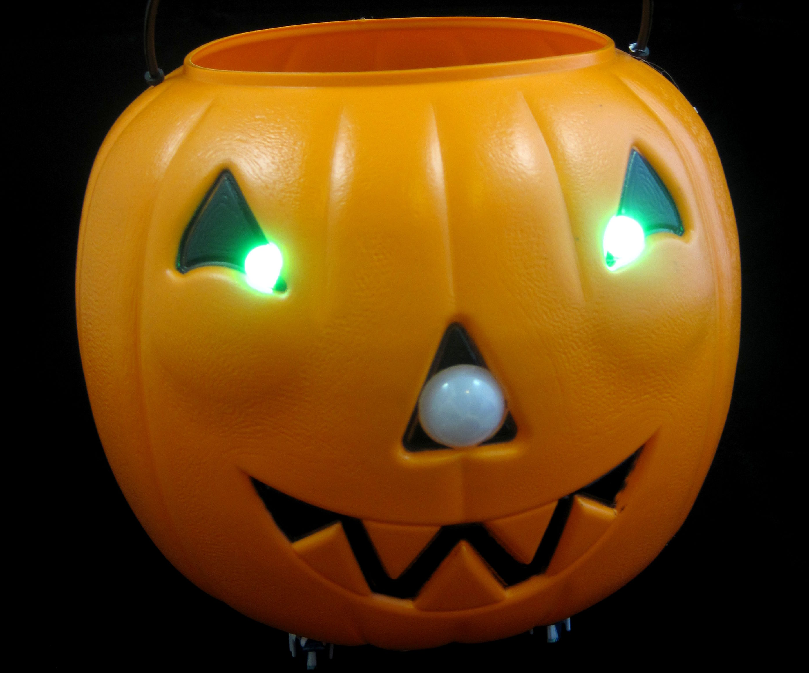 Motion-Activated PumpkinBot