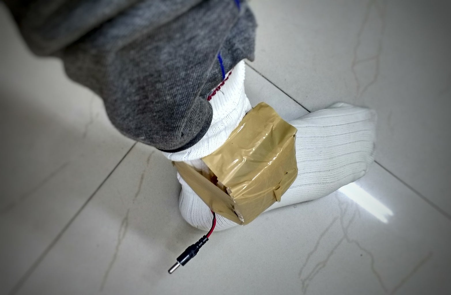 Collecting Accelerometer Data (step 1): Wearing the Accumulator