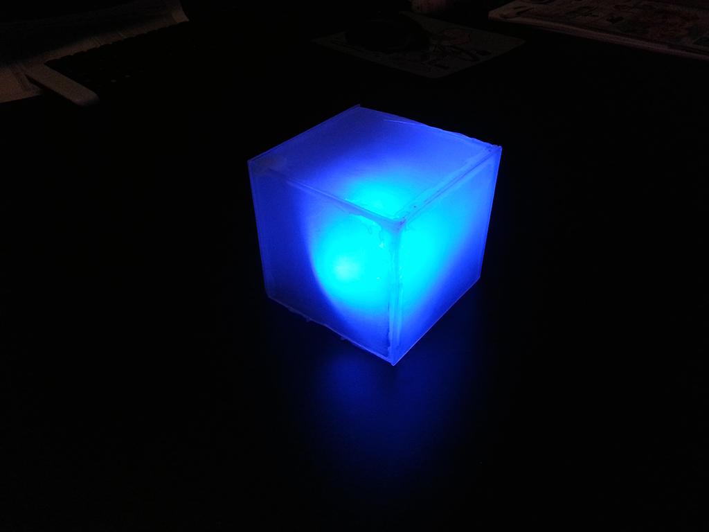 Photo sensing LED cube
