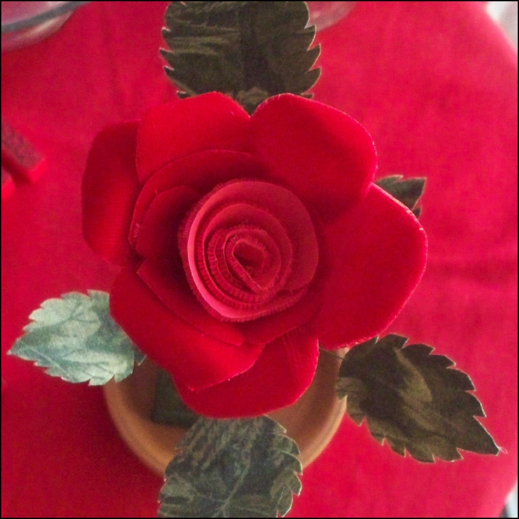 Starched Fabric Roses for Your Valentine!