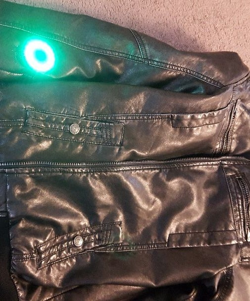 Full-Sight Jacket: See Behind Your Head