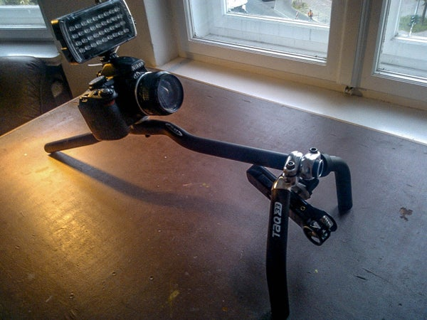 Camera Rig: a Simple Shoulder Rig Based on a Bicycle Handlebar
