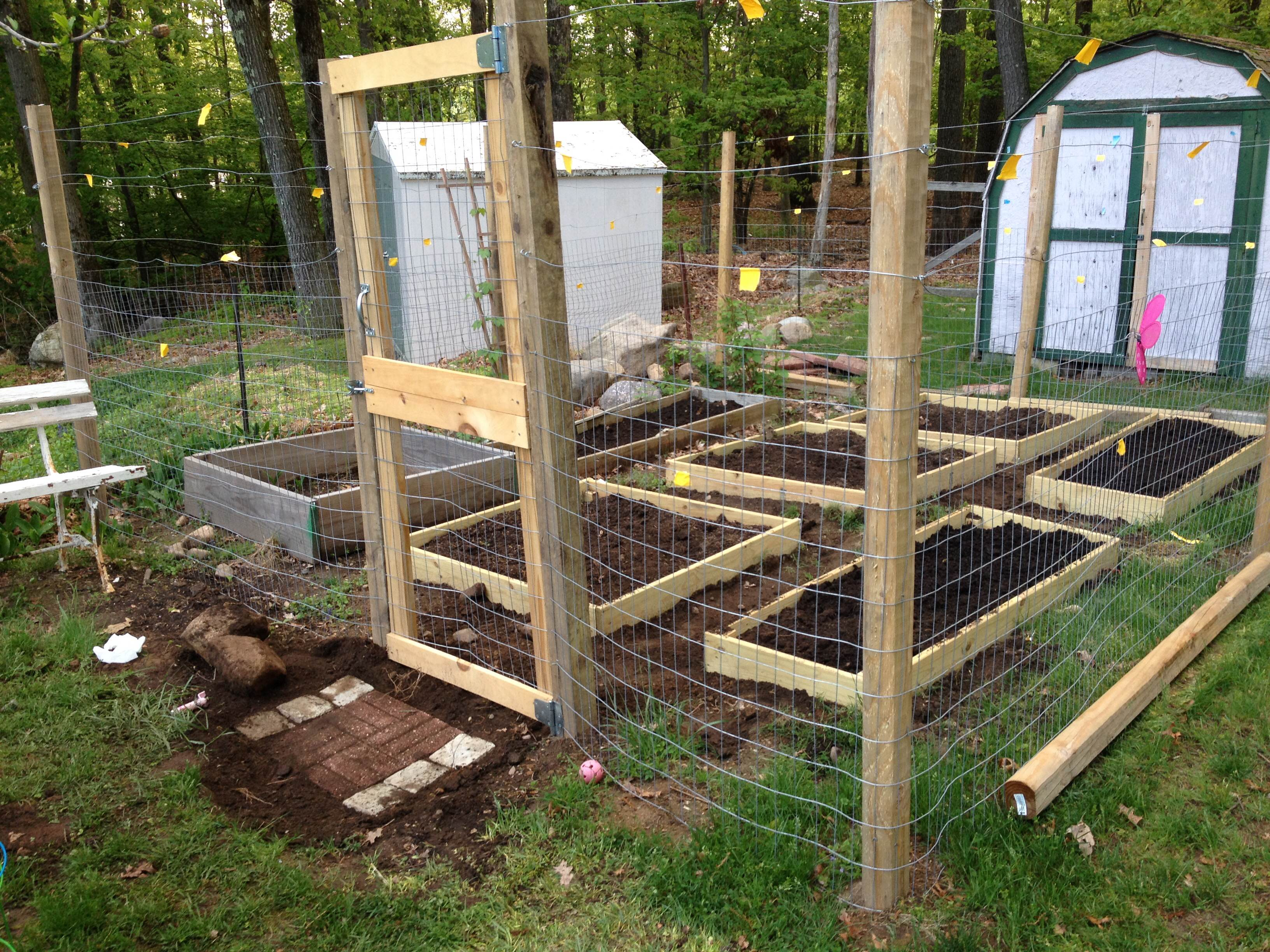 Small Scale Garden Fence With Raised Beds 7 Steps Instructables